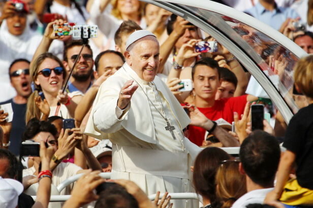 Na ŚDM z pielgrzymami spotka się papież Franciszek MikeDotta / Shutterstock.com