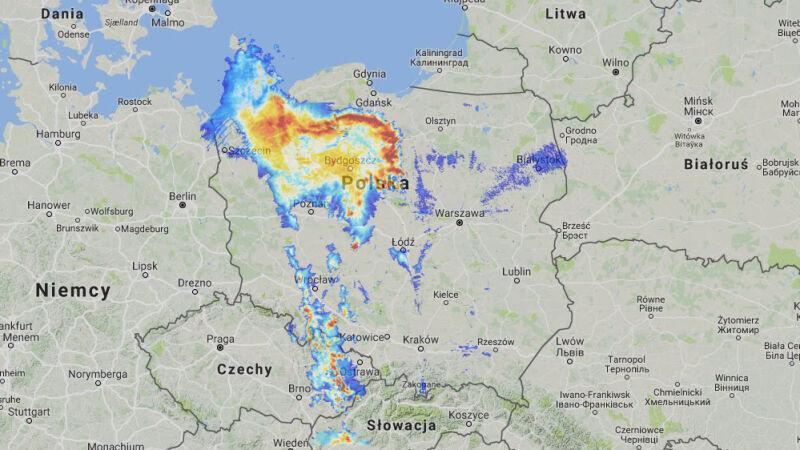 Opady nad Polską w piątek o godz. 23 (radar-opadow.pl/IMGW)