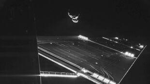 """Kosmiczne """"selfie"""". Sonda Rosetta zrobiła zdjęcie sama sobie"""